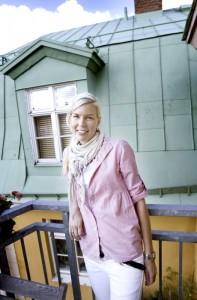 """Gillar äventyr och utmaning. För sjuksköterskan Eva Kammerling är jobb i Norge ett kul grej, ett komplement till hennes vanliga jobb på Gävle sjukhus. Men hon ser det inte som en ersättning. """"Jag kan inte tänka mig att hålla på och åka dit hela tiden, jag tror det är svårt att få ihop livet om man ska bo här"""". Foto: Jenny Lundberg"""